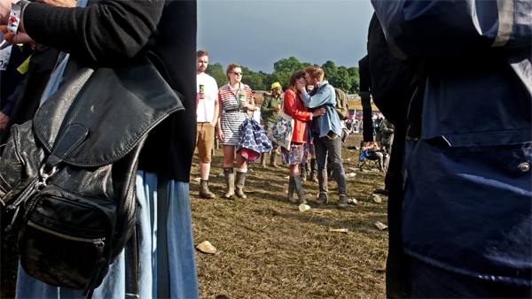 couples-in-the-crowd